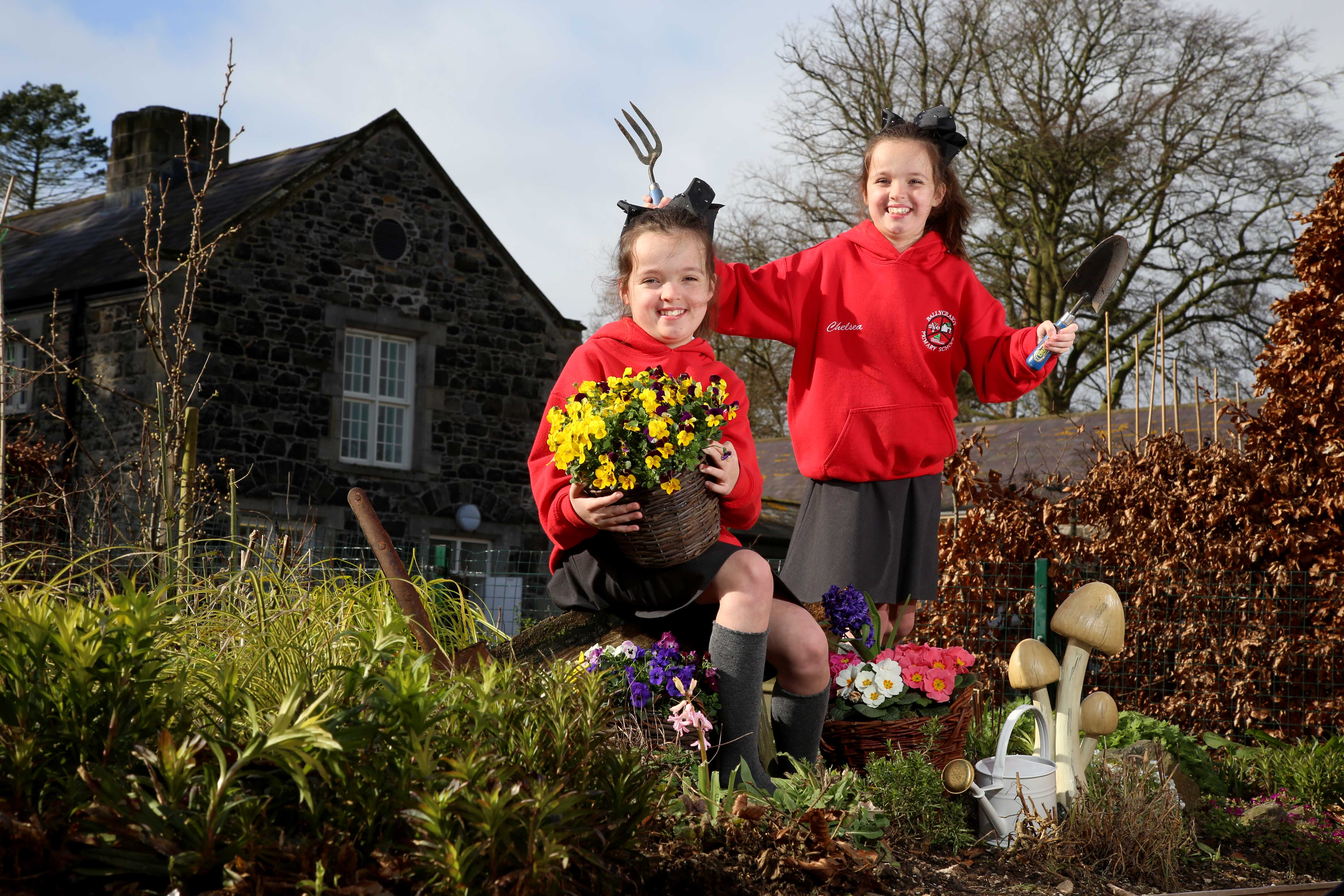 Launch-Twins-from-Ballycraigy-Primary-School_